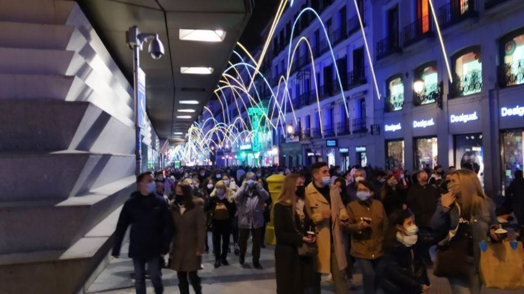 Indignación en la Red por las imágenes de Madrid en el primer fin de semana con alumbrado navideño
