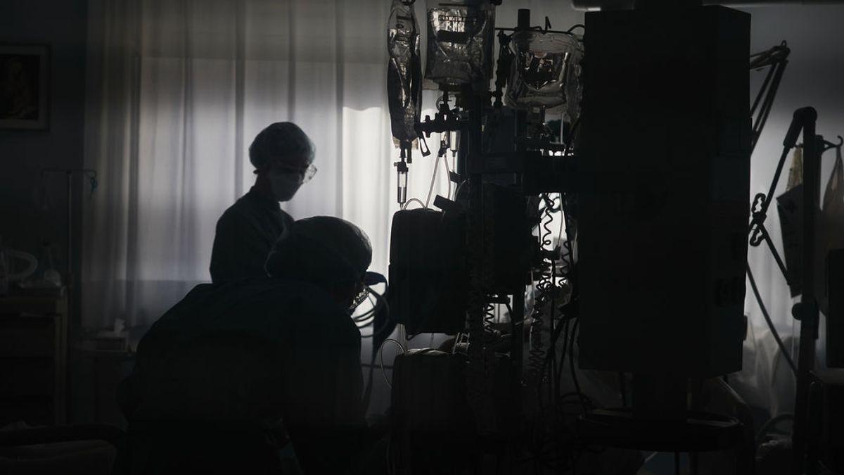Médicos sevillanos lloran la muerte por Covid de un compañero a punto de jubilarse