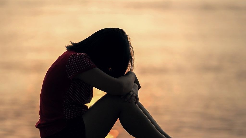 Una mujer abusa sexualmente de su hija de 9 años y comparte el vídeo por Whatsapp por error