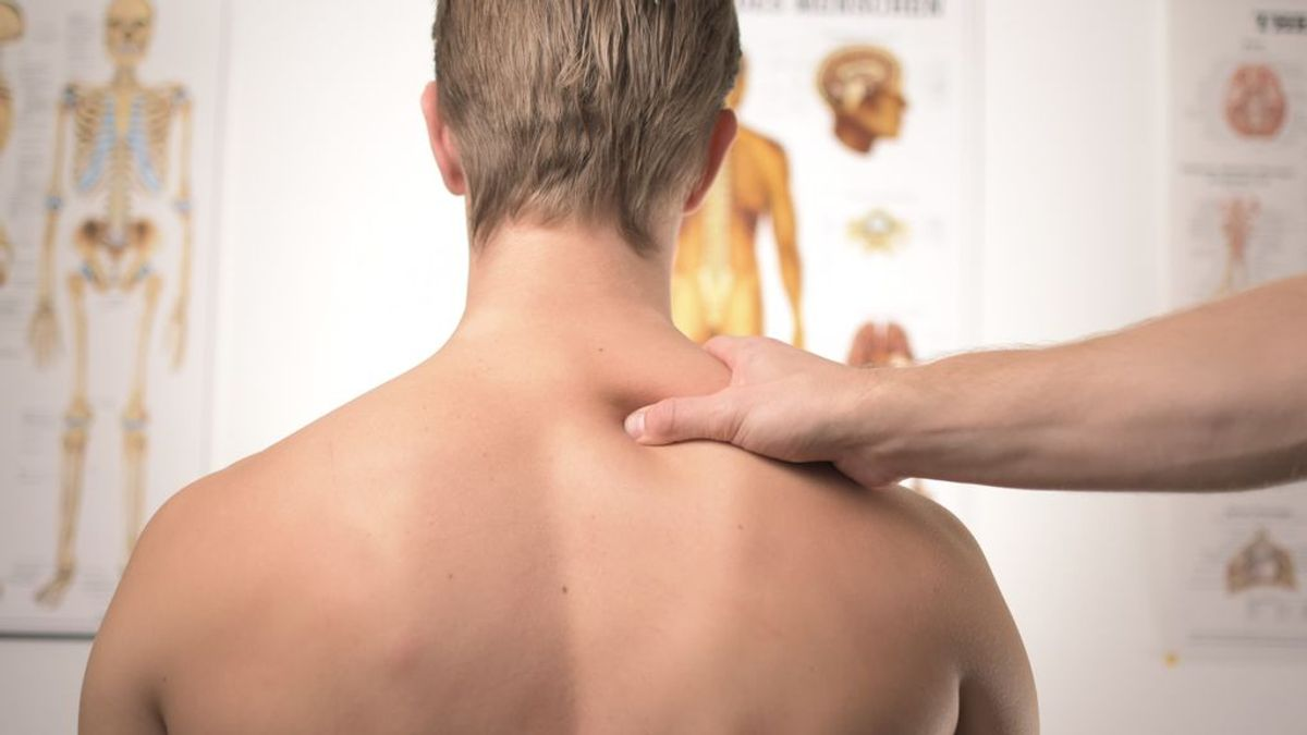 El cuello y las lumbares importan. Cinco estiramientos para aliviar el dolor muscular derivado del teletrabajo