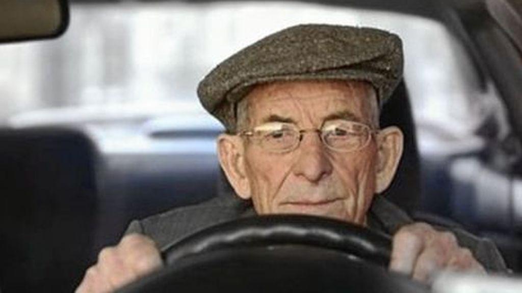 Los mayores, un riesgo para la conducción