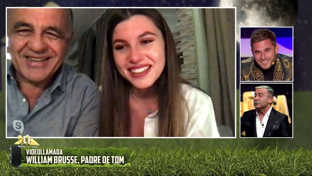 Tom Brusse habla con su familia
