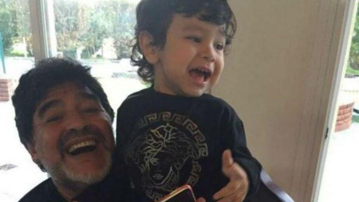 """El último mensaje de Maradona a su hijo pequeño: """"Mi ángel no tiene parangón con nada"""""""