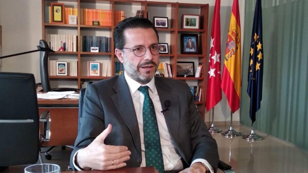 El consejero de Hacienda de Madrid, Javier Fernández Lasquetty, responde las preguntas de NIUS
