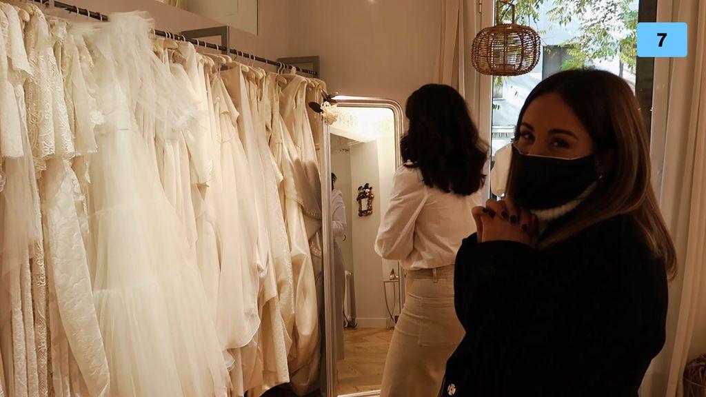 Susana Megan nos lleva de tiendas en busca de vestidos de novia (1/2)