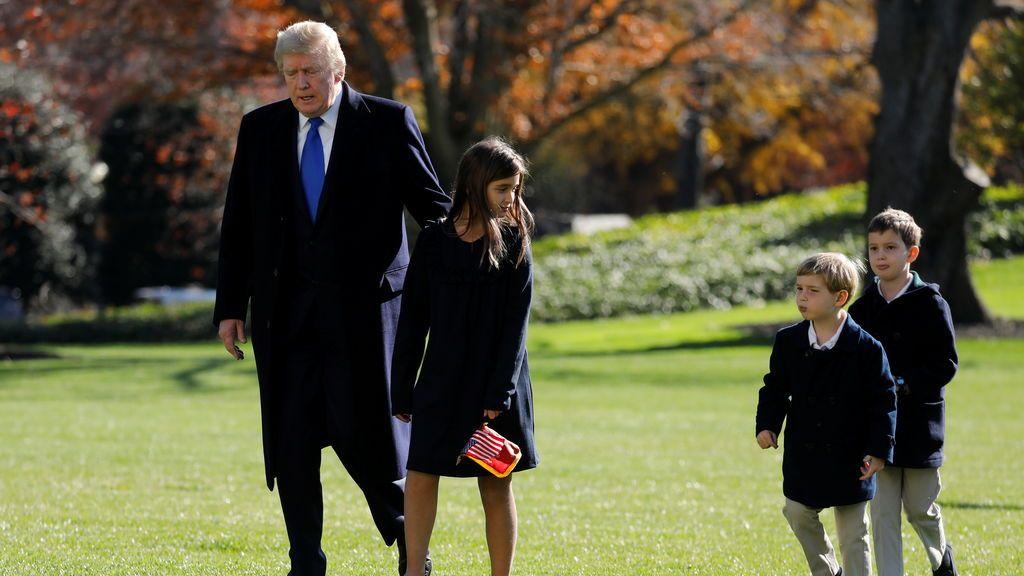 Trump se queda solo en la Casa Blanca