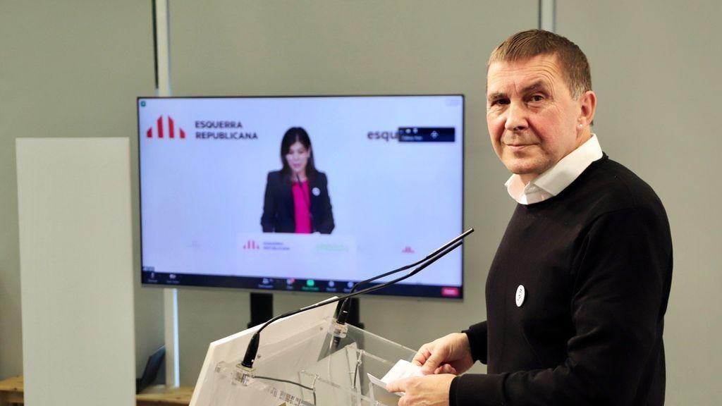 ERC y Bildu escenifican su fuerza después de haber dado su apoyo a los Presupuestos