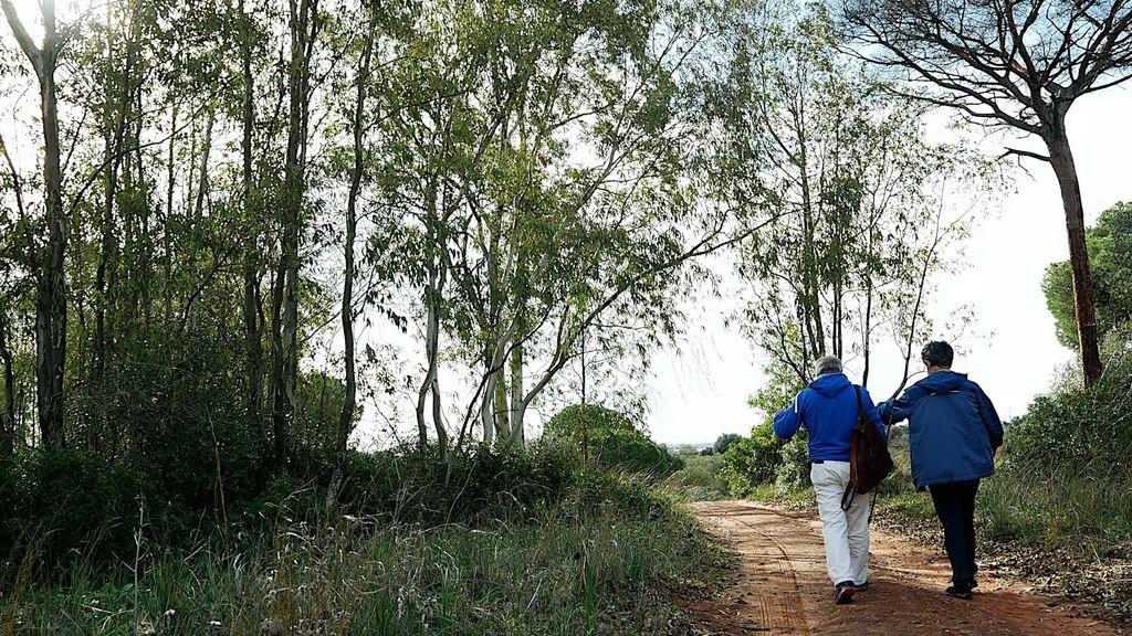 Juan Clavero y Juan Carlos Nava en el bosque de Rancho Linares