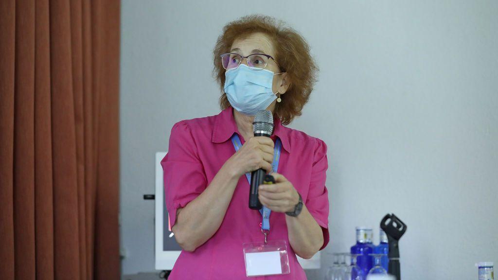 """Margarita del Val: """"Si la vacuna fuera 100% eficaz bastaría con vacunar al 60% de la población"""""""