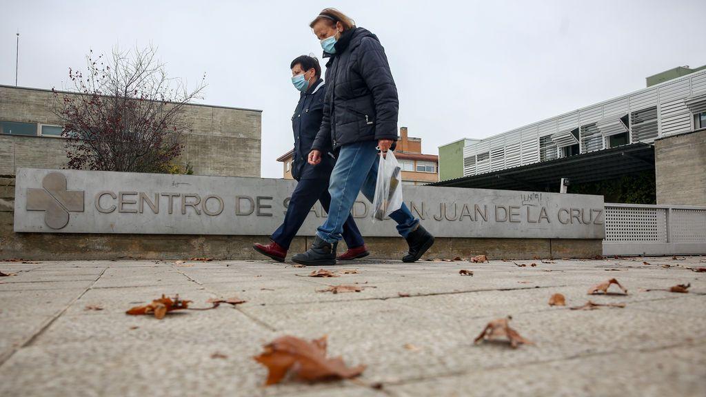 Madrid mantiene estables los contagios con 1.453 y otros 20 muertos