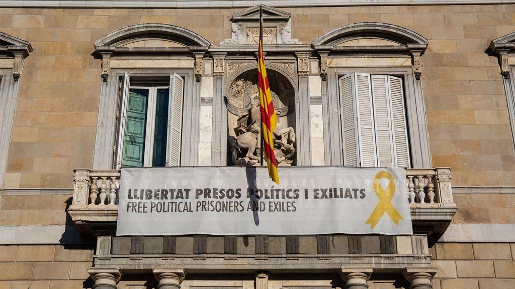 Torra dona la pancarta de su inhabilitación al Museo de Historia de Cataluña por su valor histórico