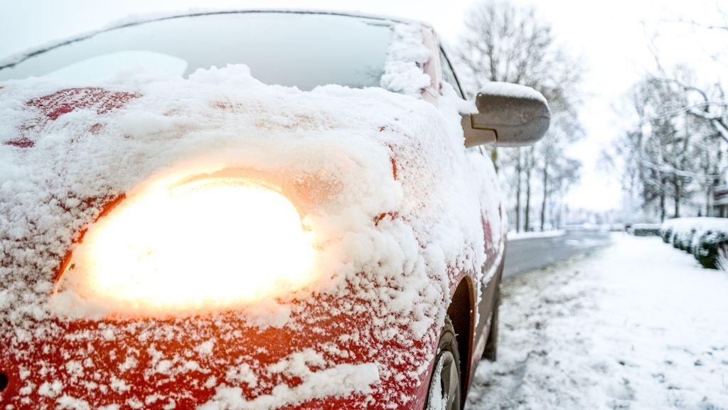 Cómo descongelar el parabrisas de tu coche