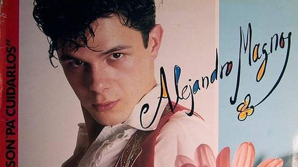 En su primer disco se presentó bajo el seudónimo de 'Alejandro Magno'.