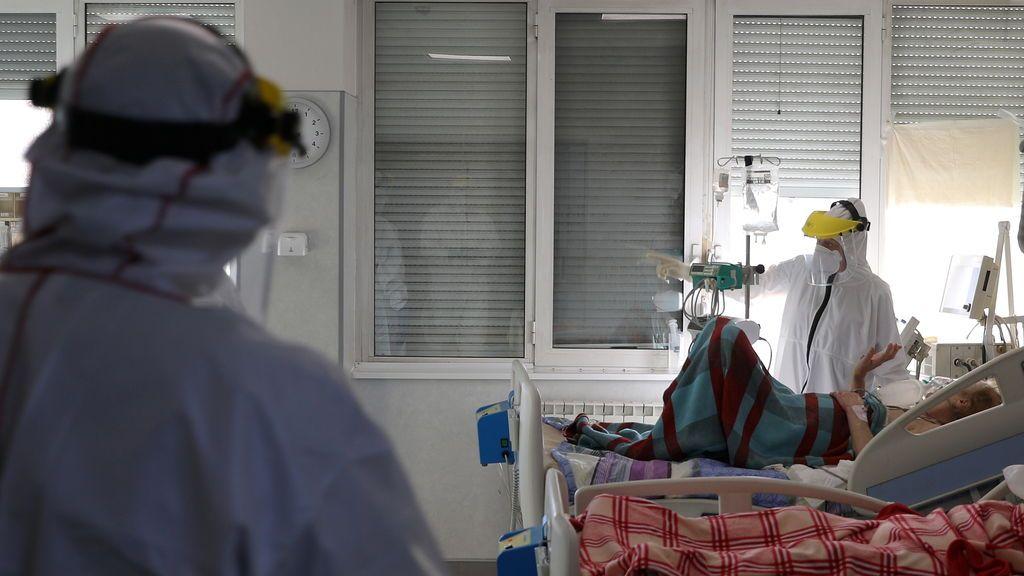 Dan el alta en tiempo récord a 9 enfermos de covid que probaron una terapia contra el cáncer infantil