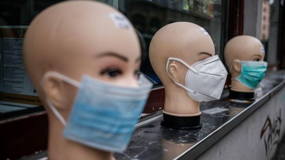 La OMS aconseja usar mascarilla en casa al recibir visitas y en lugares donde no sea posible mantener la distancia