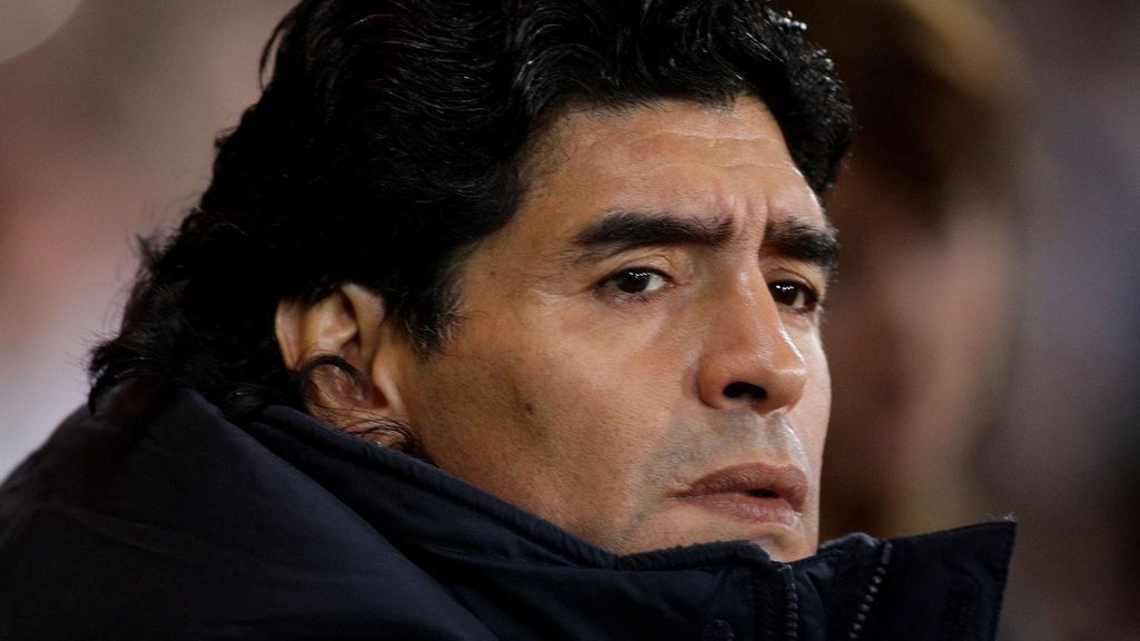 """Los forenses se centran en determinar si Maradona consumió cocaína en las horas previas a su muerte: """"El corazón pesaba medio kilo"""""""