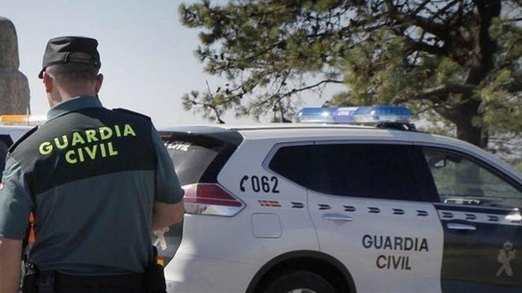 Aparece un cadáver en el techo de un camión en Navarra tras haberse precipitado un hombre en Francia