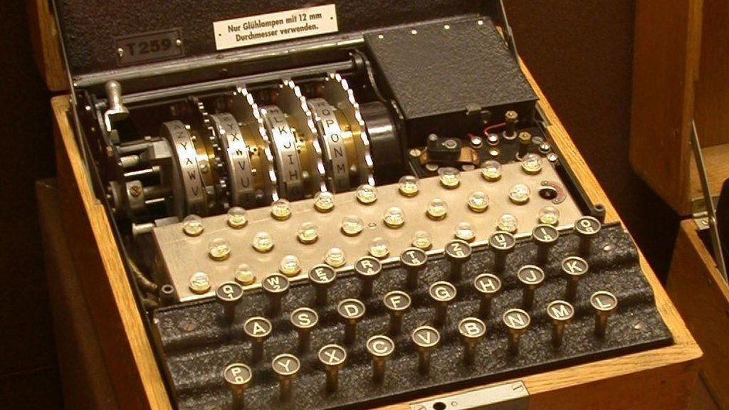 Buzos alemanes descubren una máquina Enigma nazi en el mar Báltico