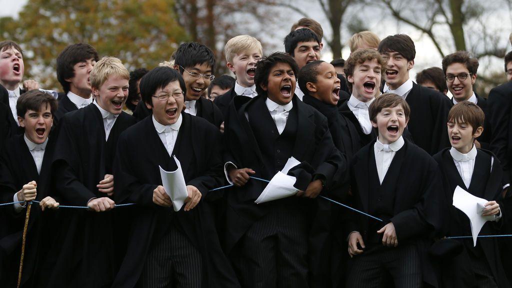 """""""Eton debería aceptar alumnas"""": la segregación en el colegio más elitista de Reino Unido, a debate"""
