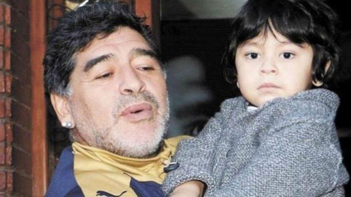 """El dolor de Dieguito, el hijo de 7 años de Maradona, tras su muerte: """"Llora todas las noches"""""""
