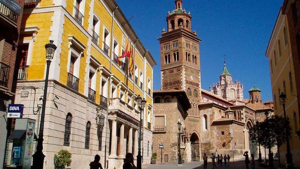 Detenidos tres menores por la supuesta violación de una chica también menor de edad en Teruel