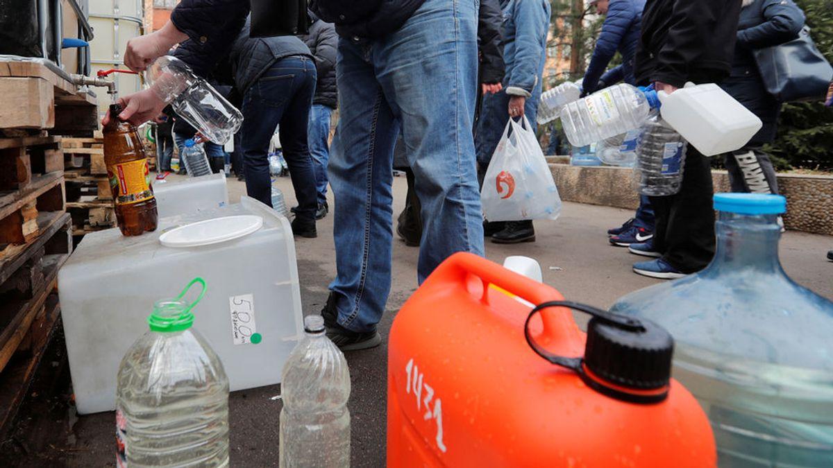 Tragedia en una fiesta en Rusia: ocho personas mueren por beber gel hidroalcohólico y cinco niños se quedan huérfanos