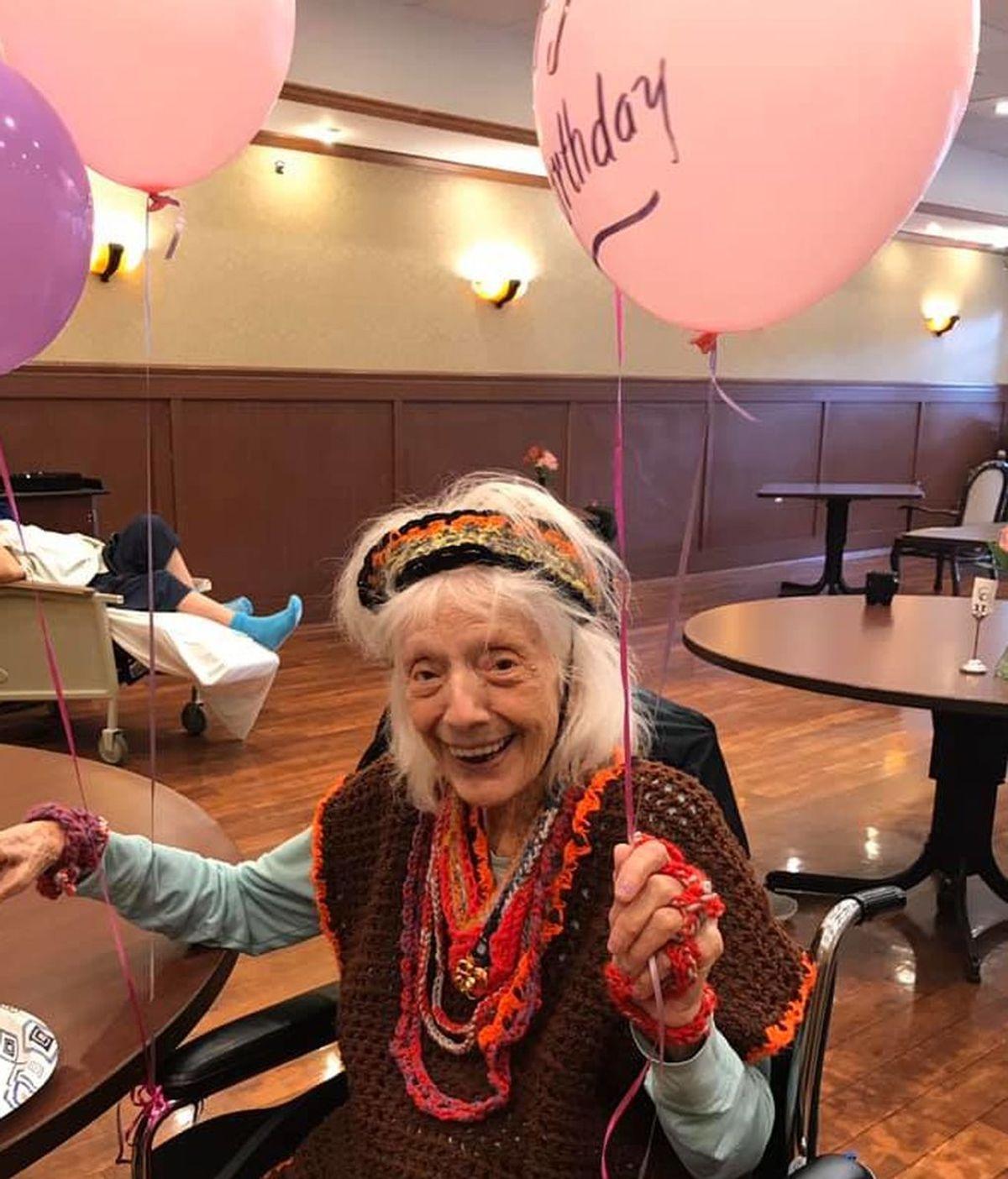 Angelina Friedman, la anciana de 102 años que sorteó la pandemia de 1918 y ahora la del coronavirus