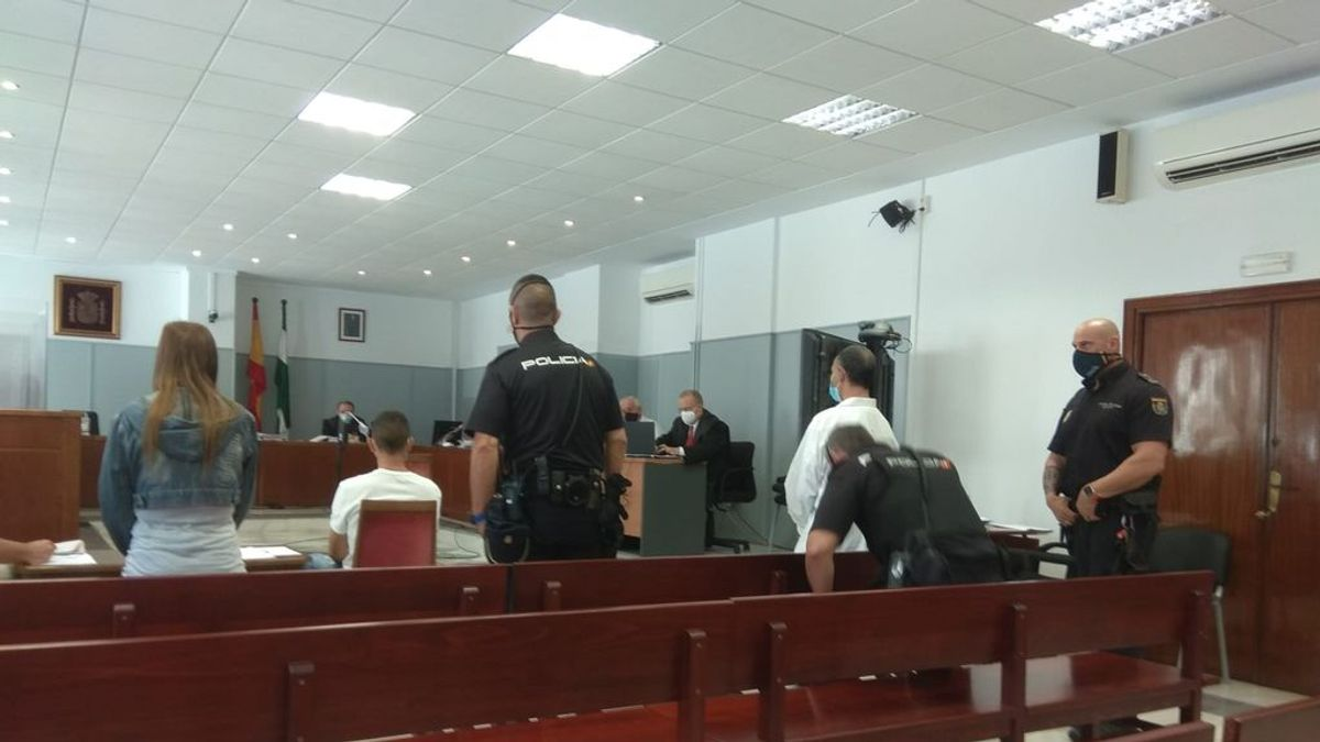 Condenados a 18 y 14 años de cárcel por matar a su vecino a pedradas en Almería