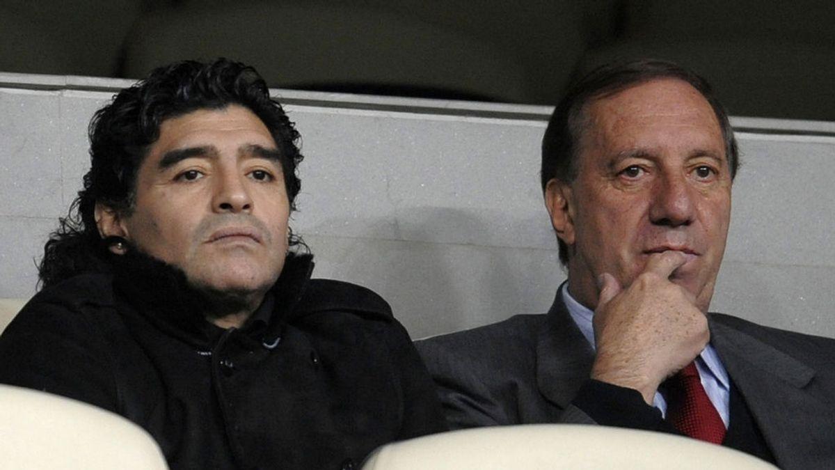Carlos Bilardo todavía no sabe que Maradona ha muerto: este es el plan que han ideado para contárselo