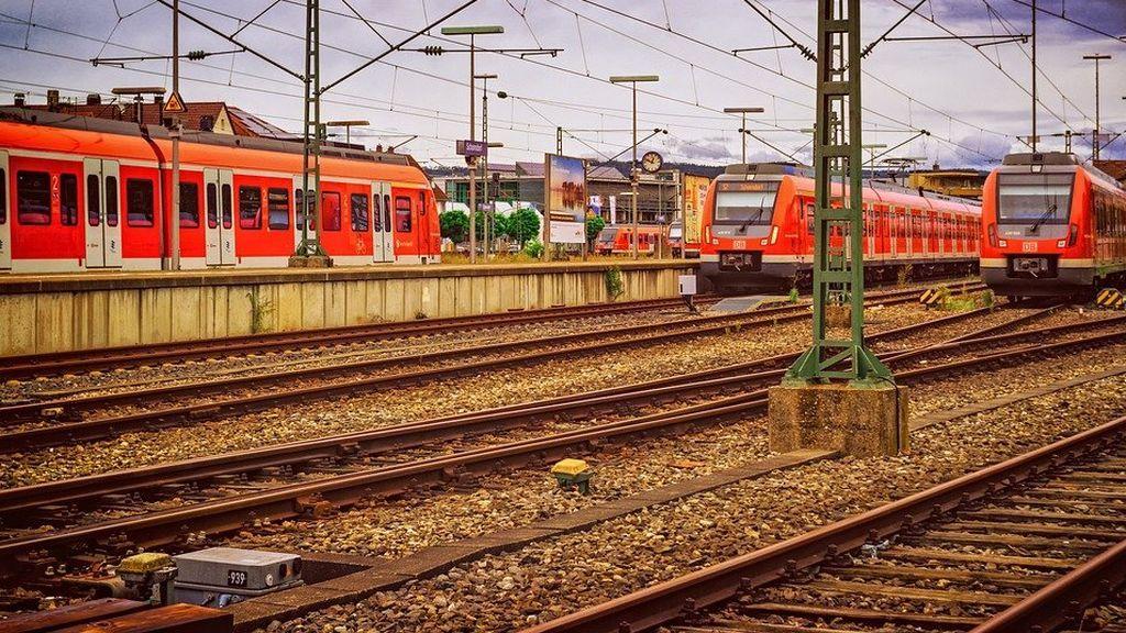 Segundos de angustia antes de un choque de trenes:  graban cómo vive el momento uno de los conductores