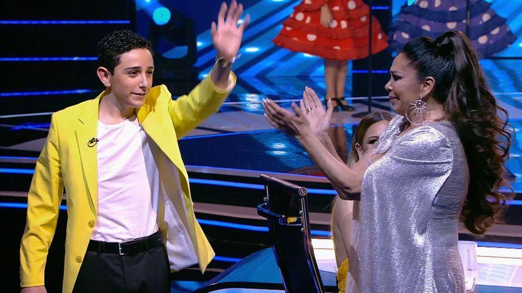 """Adrián hace llorar a Isabel Pantoja tras su actuación: """"Mientras la Pantoja viva la copla no muere"""""""