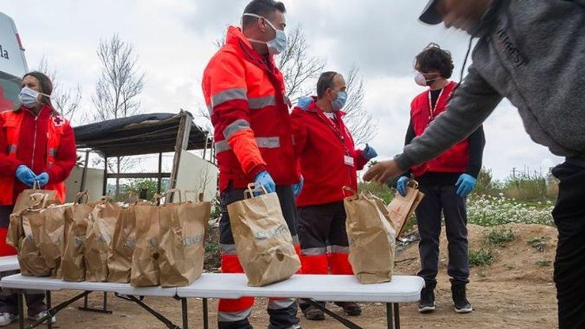 La pandemia desata el espíritu  solidario:  Más de  2 millones de personas se hicieron voluntarias en España
