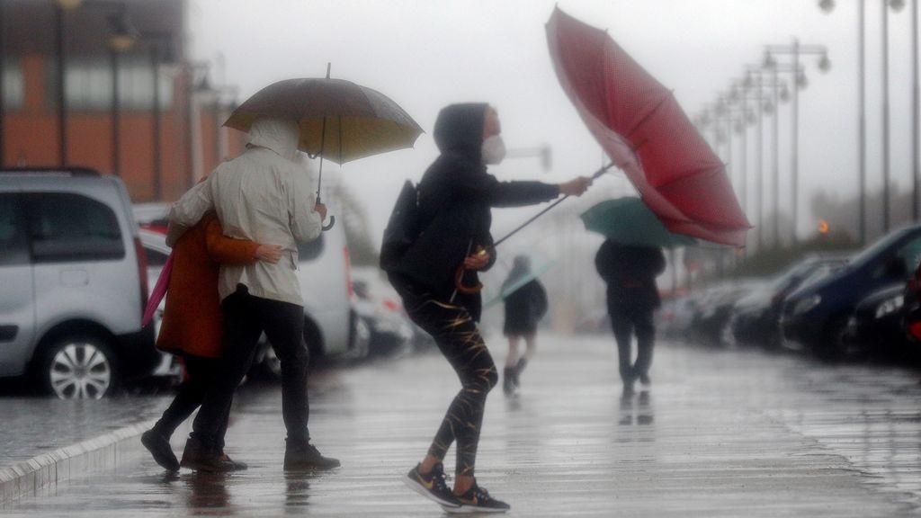 Una potente borrasca trae lluvias generalizadas el lunes: las zonas donde más agua va a caer
