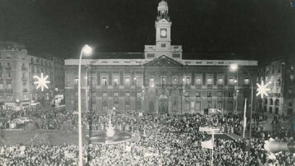 La covid acaba con la celebración de las campanadas en la Puerta del Sol por primera vez desde la Guerra Civil