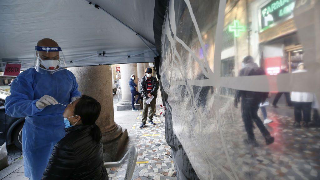 Italia suma 814 muertos y 24.000 contagios en el inicio de las nuevas restricciones