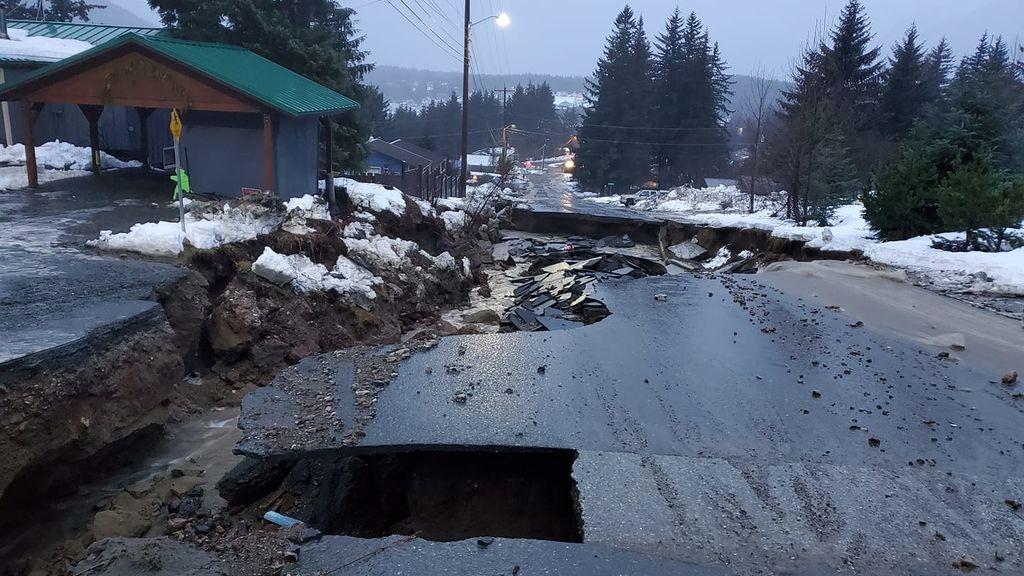Las lluvias más fuertes de todos los tiempos abren el suelo en Alaska