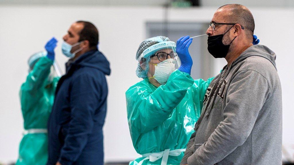 Los contagios se estabilizan en España en el ecuador de un puente clave para la evolución de la pandemia