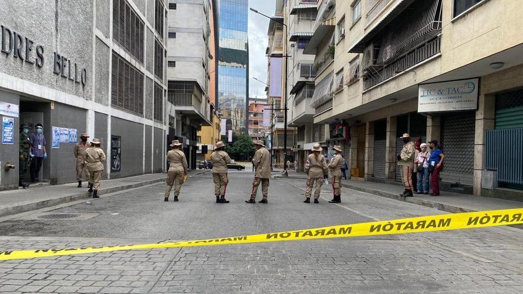 Mas militares que votantes en muchos colegios electorales en Caracas