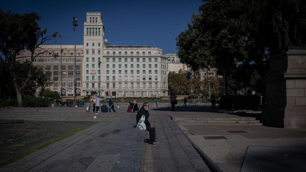 Cataluña baja de los mil contagios diarios con 790 nuevos positivos, pero aumentan las hospitalizaciones y las defunciones