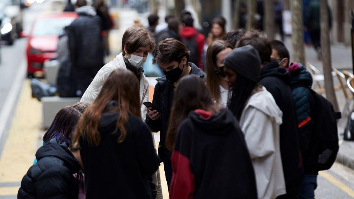 La velocidad de transmisión del virus vuelve a subir en Cataluña y ya roza el 1: hay 901 casos y 63 fallecidos más
