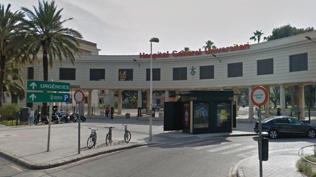 Un preso se fuga en Valencia tras quitarse uno de los grilletes y saltar de una ambulancia