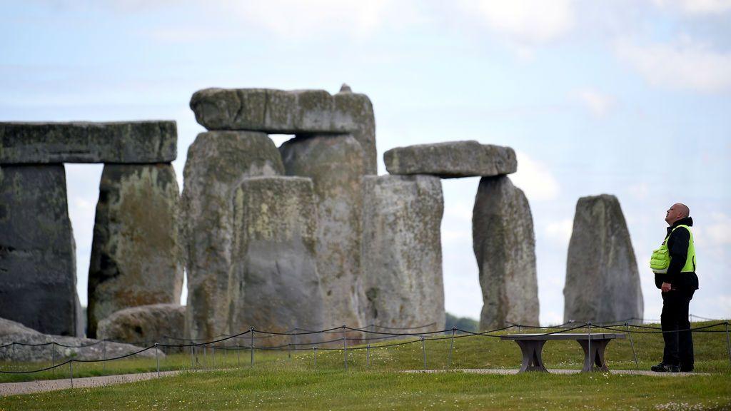 El túnel de la discordia bajo las piedras prehistóricas de Stonehenge