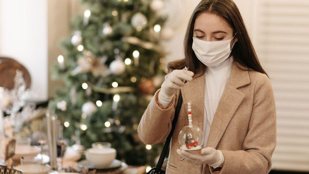 """""""No voy a ver a mis padres en Navidad y estoy destrozada"""": Cómo sentirte cerca de tu familia pese a la distancia"""