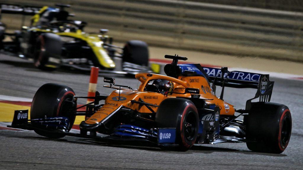 Checo Pérez aprovecha la ausencia de Hamilton para ganar y Carlos Sainz se marca un carrerón terminando cuarto