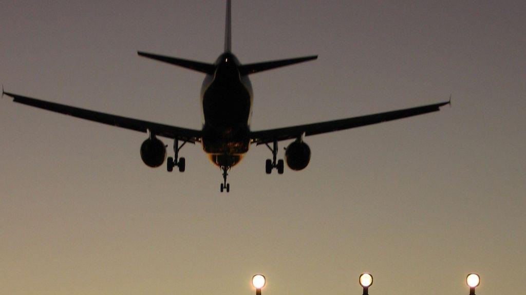 El ruido de los aviones por la noche puede aumentar las muertes por causa cardiovascular, según un estudio
