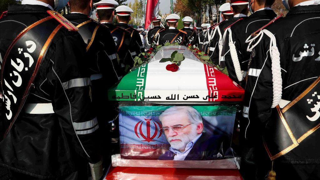 Una ametralladora con Inteligencia Artificial manejada por satélite: así mataron al padre del programa nuclear iraní