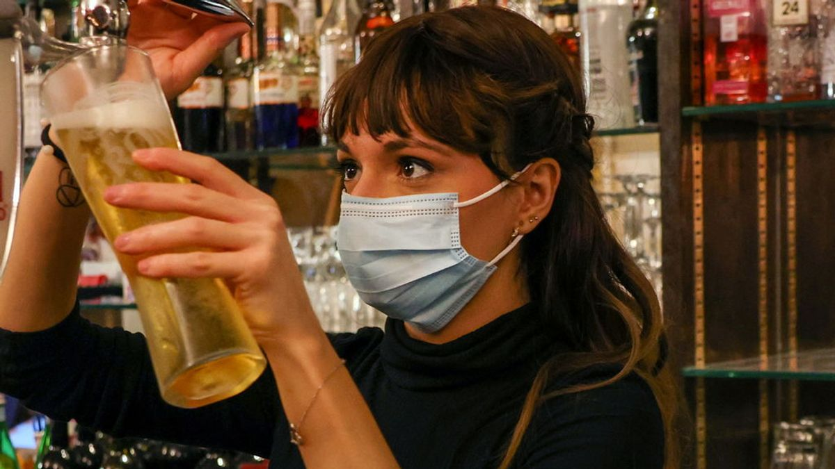 Recomiendan no beber alcohol durante 42 días para recibir vacuna rusa Sputnik V contra la covid