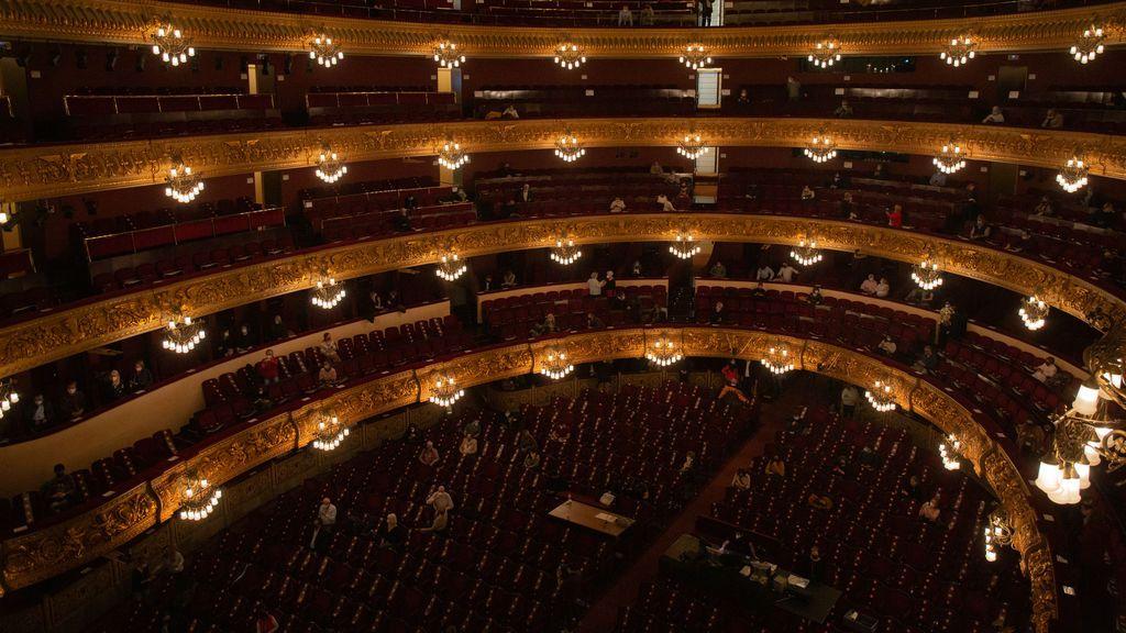 El Liceu de Barcelona no contempla seguir con funciones para un máximo de 500 personas y suspende 'La traviata'