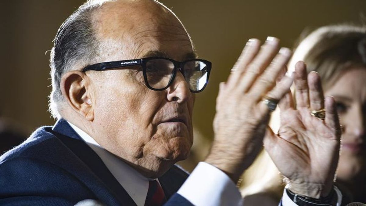 Rudy Giuliani, el abogado de Trump, da positivo por coronavirus