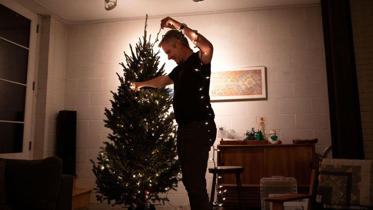"""La OMS alerta: """"Si nos abrazamos en Navidad, los brotes de covid pueden ser brutales"""""""
